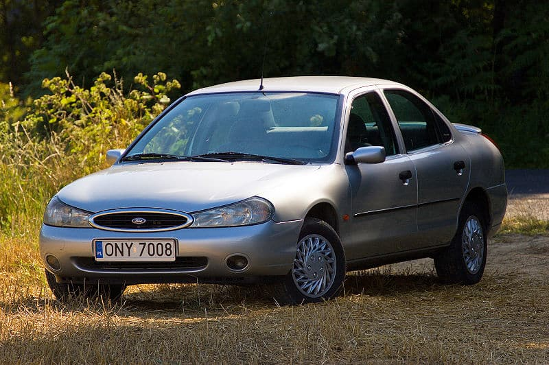 Ile koni mechanicznych ma Ford Mondeo MkII